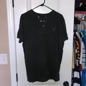 American Eagle V neck style shirt